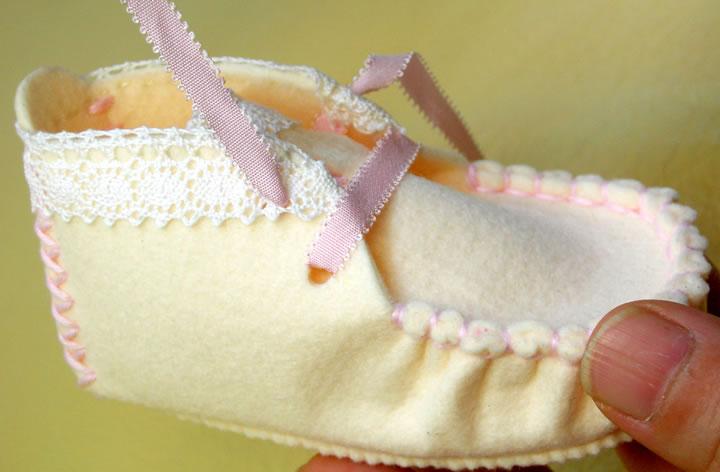 フェルトで作るベビーシューズの手作りキット入門セットアイボリー&ピンク